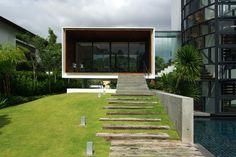 Cool contemporary outdoor garden and house design