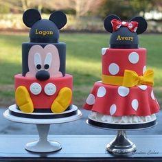"""Fofura de #bolo tema #Mickey & #Minnie <span class=""""emoji emoji1f60d""""></span><span class=""""emoji emoji1f60d""""></span><span class=""""emoji emoji1f60d""""></span> Imagem #pinterest #QueridaData #BlogQueridaData ..."""