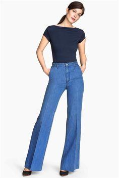 Ropa que adelgaza: pantalones campana de H&M