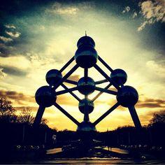 #atomium #bruxelles #brussels #brussel #expo #exposition #expo58 #58 #exhibition #tentoonstelling #worldfair #musee #museum #musea #visite #visit #bezoek #tourism #tourisme #toerism #attraction #attractie #atomium #architecture #architectuur #fifties #atomic #atomicage #spaceship #design #top #art #kunst #landmark #googie #midcenturymodern #midcentury #retro #atom