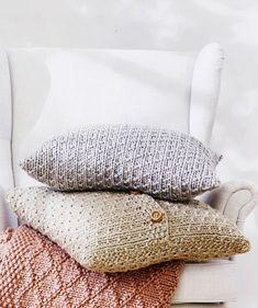 Uutta ilmettä kotiin: Neulo kauniin vaaleat tyynynpäälliset - Kotiliesi.fi Bed Pillows, Pillow Cases, Pillows