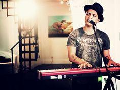 02/04/15 - Bruno on keys x