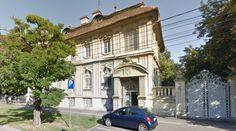 Adresa: Constantin Diaconovici Loga nr 39 Places To Visit, Mansions, House Styles, Building, Travel, Home Decor, Urban, Viajes, Decoration Home