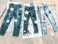 ✰Pin :evamariadoorenbosch✰ - Source by - Diy Jeans, Cute Jeans, Jeans Refashion, Do It Yourself Vintage, Do It Yourself Fashion, Painted Jeans, Painted Clothes, Diy Clothing, Custom Clothes