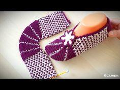 Two skewed booties that will mark 2020 - DIY and Crafts Boho Crochet Patterns, Crochet Cardigan Pattern, Crochet Patterns Amigurumi, Baby Knitting Patterns, Knitting Yarn, Crochet Baby Sandals, Crochet Shoes, Sunflower Tattoo Design, Shoe Pattern