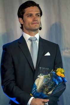 prince Carl Philip de Suède duc de Värmland......THE HANDSOME  PRINCE..............ccp