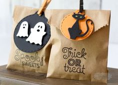 Taylored Expressions - Halloween Treat Sacks by Jean Manis* Dulceros Halloween, Moldes Halloween, Halloween Goodie Bags, Halloween Paper Crafts, Manualidades Halloween, Halloween Goodies, Halloween Birthday, Holidays Halloween, Halloween Treats