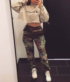 Outfit - Clothing World Chill Outfits, Swag Outfits, Mode Outfits, Trendy Outfits, Urban Street Style, Street Style Trends, Teen Fashion, Fashion Outfits, Womens Fashion