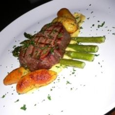 Filet Mignon With Bearnaise Sauce And Roasted Asparagus
