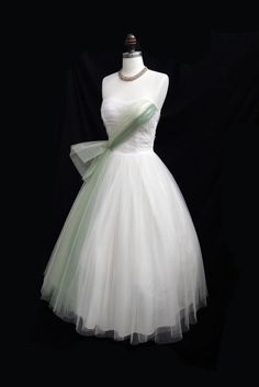 Vintage 1950's Ivory and Green Tulle by CalendarGirlVintage (etsy)
