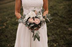 Johannes, Bridesmaid Dresses, Wedding Dresses, Bridal Bouquets, One Shoulder Wedding Dress, Fashion, Moda, Bridal Dresses