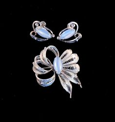 Alice Caviness began her work in the fashion industry. In 1947, she began creating jewelry to compliment her designer fashions. She had her