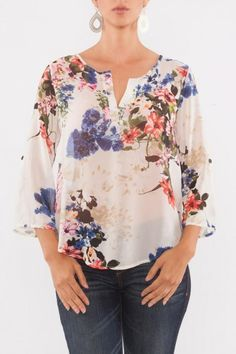 Sewing Clothes Blouses Neckline Ideas For 2019 Blouse Styles, Blouse Designs, Gown Dress Design, Bluse Outfit, Outfit Trends, Couture, Sewing Clothes, Plus Size Fashion, Ideias Fashion