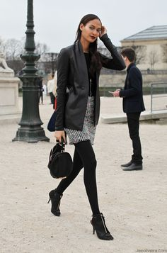 On the street…Joan Smalls, Paris Very cool outfit. Backstage, Street Looks, Joan Smalls, Model Street Style, Models Off Duty, Street Chic, Autumn Winter Fashion, Fall Fashion, Jeans