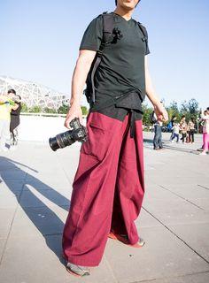 Картинки по запросу how to make thai fisherman pants pattern One Clothing, Clothing Items, Pants Tutorial, Diy Tutorial, Thai Fisherman Pants, Thai Pants, Gypsy Pants, Batik Dress, Pants Pattern