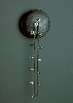Catena wall clock by andreas dober    http://www.anthologiequartett.de/galerie/galerie.php?Kat=objects=11