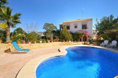 Location villa piscine OL ARCA 1
