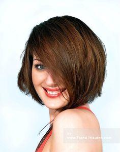 SHORT CUTS Medium Braun weiblich Gerade Choppy Bob Farbige Frauen Haarschnitt Frisuren hairstyles