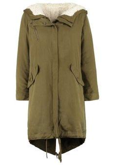 Mit diesem Parka kommst du modisch durch kalte Tage. Sisley Parka - khaki für 174,95 € (13.10.15) versandkostenfrei bei Zalando bestellen.