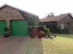 4 Bedroom House in Birchleigh North Private Property, Property For Sale, Kempton Park, 4 Bedroom House, South Africa, Outdoor Decor, Plants, Home Decor, Decoration Home