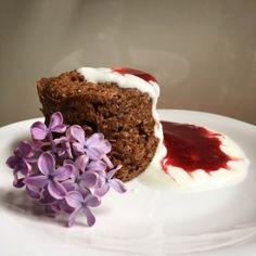 """Mugcake"" s banánem a kokosem (Mugcake with banana and coconut) – Chef MUM Baby Food Recipes, Sweet Recipes, Muffin, Coconut, Pudding, Vegan, Mugs, Cooking, Breakfast"