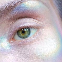 Holographic skin  // Lumi by @beautsoup ✌️ #rainbow #makeup #limecrime #skin #colorful #cute #beauty #art #eyes #girl #makeup #mua #inspiration #contemporaryart #contour #cute #alternative #pastel #fun #glittery