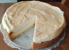 Wonderful quark pie with meringue. Wonderful quark pie with meringue. Hungarian Recipes, Sweet Cakes, Sweet And Salty, Popular Recipes, Cake Recipes, Sweet Tooth, Cheesecake, Food And Drink, Yummy Food