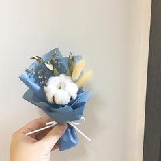 "28 Likes, 5 Comments - Chalet Florist 小木屋花店 (@chalet_florist) on Instagram: ""Happy Mother's Day 媽媽們都收到可愛又漂亮的迷你乾花花束~ 其中一束是客人親手製作的呢 - 小木屋花店 花束 / 花球 / 預訂 / 送花服務 / 工作坊 Whatsapp.…"""
