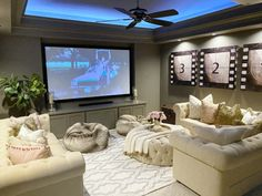 Home Theater Room Design, Movie Theater Rooms, Home Cinema Room, Loft Theatre, Small Movie Room, Movie Bedroom, Small Home Theaters, Basement Inspiration, Basement Ideas