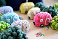 Greedy For Colour: How to Crochet an Advent Christmas Caravan!