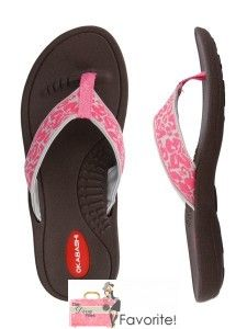 Win a pair of Okabashi sandals of choice!   k http://thedivafiles.com/okabashi-sandals-just-need-spring-break/