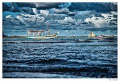 Barcos à espera da tempestade
