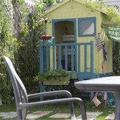 Cabane en bois luka cabanes en bois maisonnette et les for Cabane au fond du jardin laurent gerra