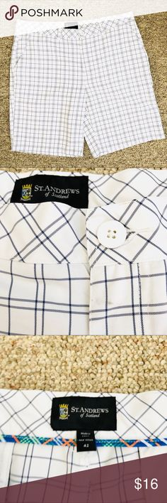 { ST ANDREWS } of Scotland Golf Shorts St. Andrews of Scotland Men's Size 42 White & Black Plaid Shorts Golf Flat Front Waist 43'' Inseam 11'' Preowned excellent condition. Small mark near button on front, see pictures. st andrews Shorts