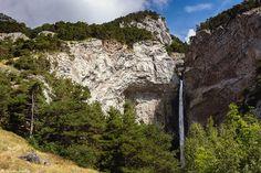 https://flic.kr/p/znWXc5 | Cascade de Saint-Benoit | Hauteur de chute d'environ 90 mètres.  Vallée de la Maurienne (Alpes françaises), Savoie, Rhône-Alpes, France.  (07/2015) © Quentin Douchet.