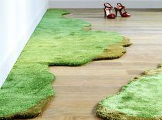 Tapis pelouse pour faire entrer le jardin. / Chez Az & Mut.