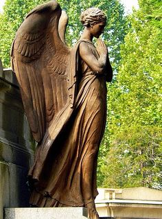 angel sculpture - Cemetery of Turin Cemetery Angels, Cemetery Statues, Cemetery Art, Cemetery Headstones, Angels Among Us, Angels And Demons, Statue Ange, Sculpture Art, Sculptures