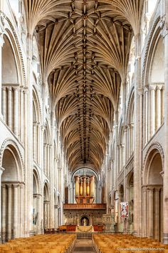 There are plenty of things to do in Norwich. This Norwich guide will help you discover the top places to see and the secret spots to discover. Cathedral Architecture, Religious Architecture, Chinese Architecture, Gothic Architecture, Historical Architecture, Classical Architecture, Ripon Cathedral, Chester Cathedral, Norwich Cathedral