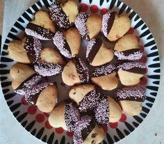 Πανεύκολα πτιφουράκια σήμερα χωρίς μίξερ! Είναι αφράτα τριφτά και πεντανόστιμα - Χρυσές Συνταγές French Toast, Muffin, Sweets, Fruit, Breakfast, Food, Breakfast Cafe, Meal, Goodies