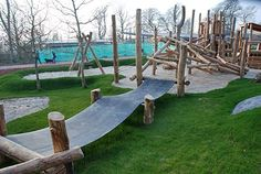 Parque infantil+natureza. Playground Build & Design | Natural, Wood | EarthWrights