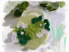 Schmuckdöschen umhäkelt mit Baumwollgarn . Crochet Hats, Etsy, Fashion, Threading, Knitting Hats, Moda, Fashion Styles, Fashion Illustrations