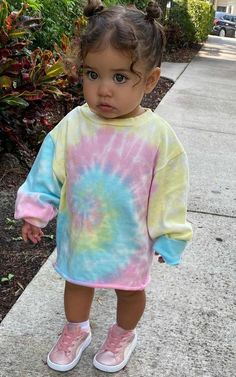Cute Little Girls Outfits, Cute Little Baby, Pretty Baby, Cute Mixed Kids, Cute Kids, Cute Babies, Beautiful Children, Beautiful Babies, Baby Girl Fashion