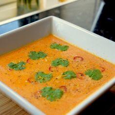 Kyllinggryte - Passer til både hverdag og fest! | Gladkokken Sopa Detox, Scampi, Thai Red Curry, Smoothies, Nom Nom, Spicy, Chili, Protein, Lime