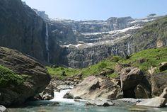 Le cirque de #Gavarnie Aragon, Chamonix, France, Pyrenees, Photos, Water, Up, Travel, Outdoor