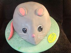 Maus-Torte für den 4. Geburtstag der kleinen Elsa / Mouse cake for Elsa Elsa, Cake, Desserts, Food, Cake Ideas, Pies, Birthday, Pie Cake, Tailgate Desserts