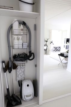Hall closet central vac hose over a large shower caddy installed into the wall. Hall closet central vac hose over a large shower caddy installed into the wall. Vacuum Storage, Storage Hacks, Hose Storage, Storage Ideas, Home Organisation, Closet Organization, Organizing, Organization Ideas, Small Space Storage