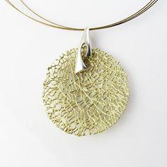 $39,00 Necklace Selene·S in 18 carat-gold-plated sterling silver · Gargantilla Selene·S en plata de ley bañada en oro de 18 kilates.