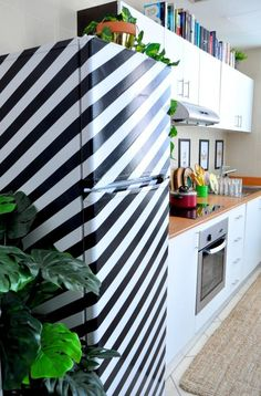 Only Recent College Grads Could Get Away With These 10 Cheap & Cool Apartment DIYs | Apartment Therapy