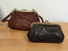 Leuke beugel portemonnee en tas binnenkant met pasjes vakje www.lederwaren-danielle.nl