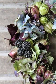 DIY autumn wreaths that you can make yourself. Ideas for fall wreaths to make. Diy Fall Wreath, Autumn Wreaths, Fall Diy, Holiday Wreaths, Summer Wreath, Spring Wreaths, Deco Floral, Arte Floral, Wreaths And Garlands